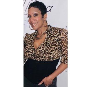 🔥 Cutest leopard shirt with a ruffled collar